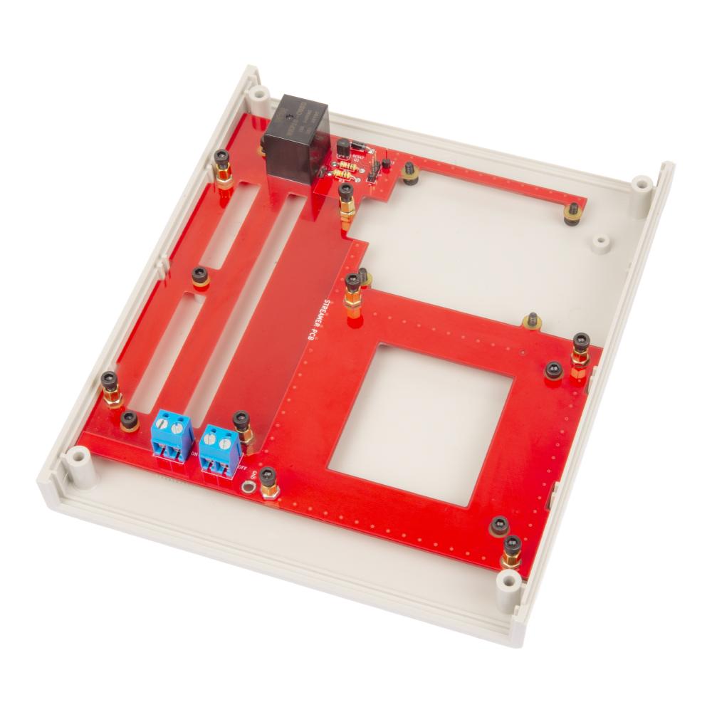 Streamer PCB_07_06_1 в корпусе.jpg